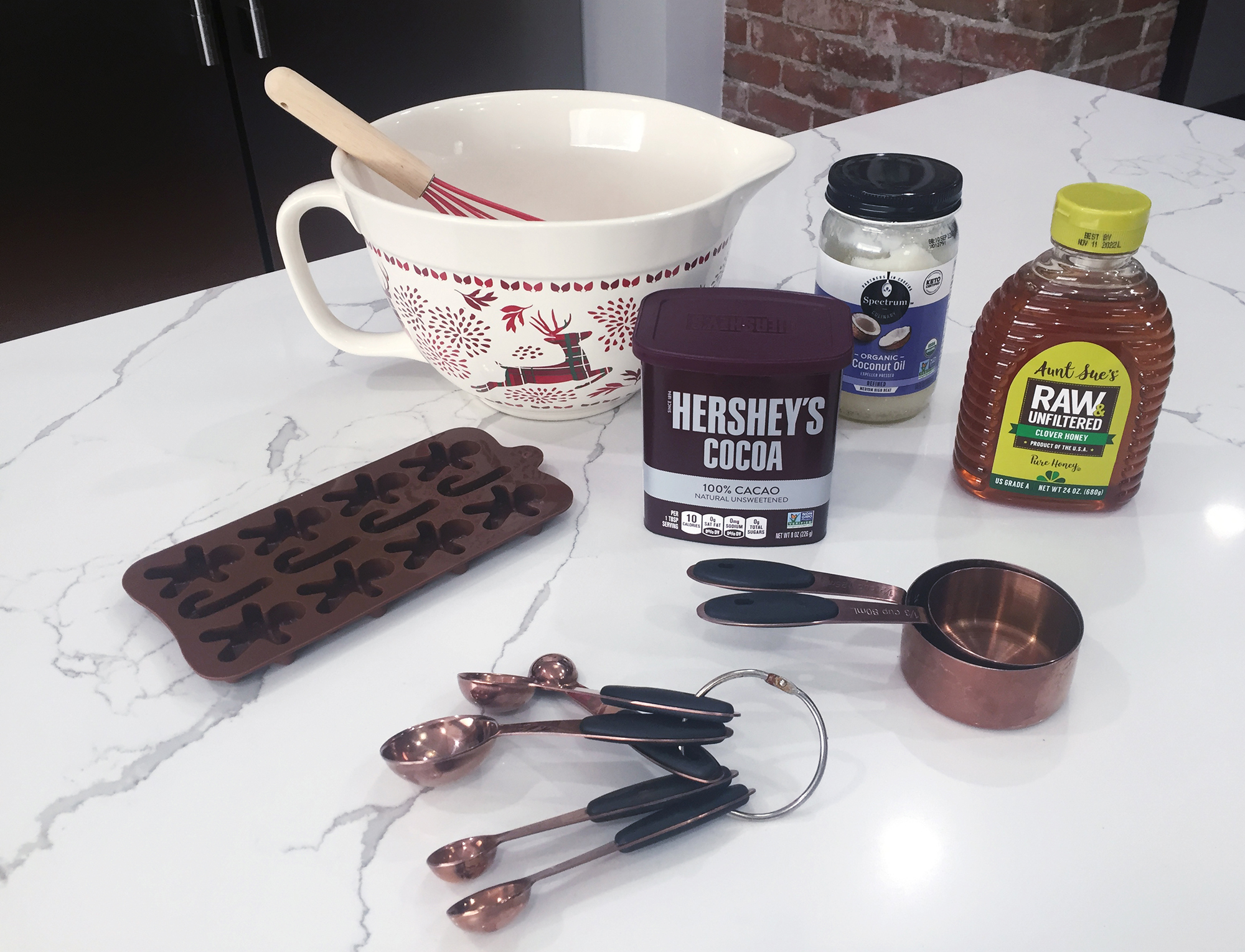 https://discoverycubeconnect.org/wp-content/uploads/2020/11/Gingerbread_Chocolate_Step-1.jpg
